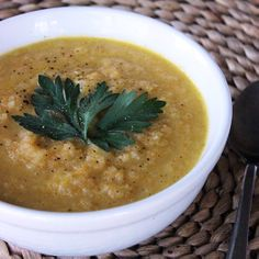 Pin for Later: A Winter Detox Cleanse That Won't Make You Feel Deprived Lunch: Immunity-Boosting Soup Warm up at lunch with this antioxidant-rich carrot and daikon soup, which is an especially perfect midday break if you are fighting a cold. Healthy Soup Recipes, Fruit Recipes, Veggie Recipes, Healthy Meals, Healthy Food, Healing Soup, Clean Eating, Healthy Eating, Kitchens