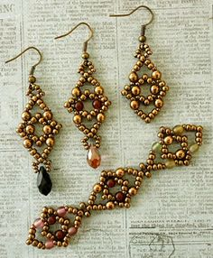 Linda's Crafty Inspirations: Playining with my beads...Two new earring video tutorials by Sidonia