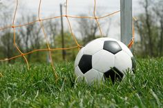 How to Play Soccer For Beginners – A 10-Step Guide To Learning The Game | soccerquick.com