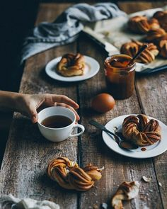 50 Ideas Breakfast Coffee Photography Food Styling For 2019 Breakfast Photography, Dark Food Photography, Coffee Photography, Photography Gear, Brunch Recipes, Breakfast Recipes, Breakfast Ideas, Café Chocolate, Alcohol Recipes