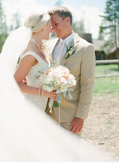 barn wedding, photo: Laura Murray Photography