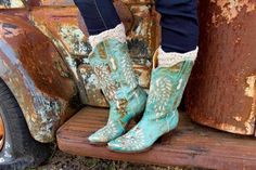 These stunning blue N'Orleans cowboy boots from Bodacious Boots Co. can't help but make a major statement whenever you wear them out. Buy online at http://www.thepeacocklane.com/product-p/bodacious-norleans-boots.htm