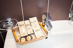 Управление фотографиями Bath Caddy, Bathroom, Washroom, Full Bath, Bath, Bathrooms
