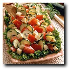 سلطة الطماطم الطازجة مع الأعشاب...