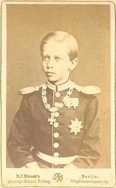 "Young Prince Heinrich ""Henry"" (Albert Wilhelm Heinrich) (14 Aug 1862-20 Apr 1929) Prussia-Germany by Kunst-Verlag. Henry was 3rd child of Emperor-King Frederick III ""Fritz"" (1831-1888) Germany-Prussia & Princess Victoria-Vicky (1840-1901) UK. Prince Albert, Prince Henry, Prince Philip, 3rd Child, Princess Victoria, Queen Victoria, Young Prince, Prussia, Emperor"