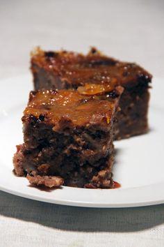 """PUDDING CHOCOLAT CLÉMENTINES  Je pense que vous avez pu remarquer ma passion pour les puddings, notamment avec mon bundt pudding aux Werther's et mon pudding au chocolat. Il s'avère que ce dernier a plu à Marion du blog """"Marmotte cuisine"""", et elle l'a donc testé (et j'espère, approuvé ^^). Dans la variante qu'elle a réalisé, elle a aromatisé…"""