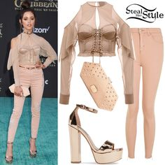 There was a time when the term 'small' described brief and slim females. However the word has expanded its meaning to consist of other physique with curvy being one of them. However, this didn't make dressing for small and curvy females easier. Black Dress Outfits, Fall Outfits, Girly Outfits, Adidas Ultra Boost Shoes, Ariana Grande Outfits, Jenna Ortega, Vs Lingerie, Striped Swimsuit, Bustier Top