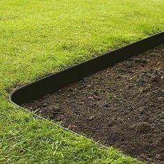Grass Barrier – Landscape Edging – 10 inch Depth – Grass Barrier - front yard ideas no grass Landscaping Supplies, Home Landscaping, Landscaping With Rocks, Front Yard Landscaping, Landscaping Software, Landscaping Design, Landscaping Melbourne, Inexpensive Landscaping, Landscaping Contractors
