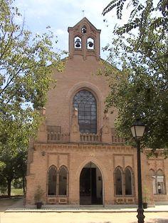 Ermita de Nuestra Señora del Val (Alcalá de Henares). De estilos neogótico y neomudéjar  - Wikipedia, la enciclopedia libre- Raimundo Pastor - Trabajo propio