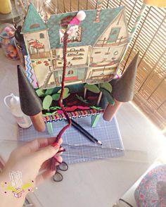 Dia de preparar um Diorama todo especial, cheio de imaginação, magia e encanto para deixar a Brisa toda feliz em  seu reino! ♥️ .. #FestejoInbox #FestaEmCasa #FestaCriativa #FestaInfantil #CompreDasMães #Maternativa #DioramaFestejoinbox #EraUmaVez #Infância #FeitoComAmor