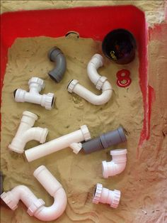 Incy Wincy spider- exploring pipes and spiders in the sand. How creative! Children can work on story re-tell as well.
