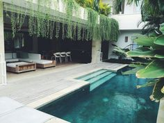 Bali House design - The second half of my trip is coming to an end, feels like my last post was only a few days ago I have spent the morning working by the pool in my villa, which has been a daily occurrence and I mus Backyard Pool Designs, Swimming Pool Designs, Pool Landscaping, Villa Design, House Design, Design Hotel, Design Design, Conception Villa, Bali Spa