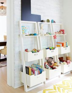 Regał na zabawki i książki