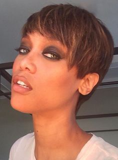Tyra Banks Debuts Short Pixie Haircut: See the Beautiful Photo! - Us Weekly