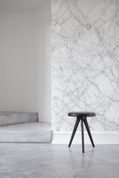 If you're a minimalist, you'll fall in love with this marble texture wallpaper. The veins of colour running through the ivory white give depth and character to your home. Keep it simple with this wallpaper for an effortless look.