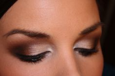FINALLY a makeup artist teaches me how to do gorgeous SMOKEY EYE MAKEUP!