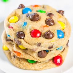 I love M&M'S® cookies and these are my favorite. And I'm no stranger to M&M'S cookies and recipes. These big, bakery-style cookies are very soft, slightly chewy, buttery, and loaded with M&M'S and chocolate chips. If you're looking for a new favorite M&M'S cookie recipe, you're going to love this one. It's nearly identical to Soft and Chewy M&M Chocolate …