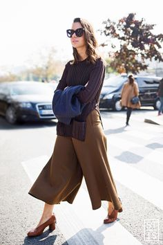 culottes, sweater, shades