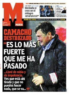 Camacho desconsolado com o falecimento de Fehér em pleno relvado de Guimarães, em destaque na imprensa espanhola.