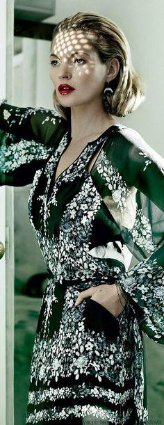 Kate Moss in  BCBG Max Azria dress
