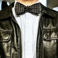 Don't know how I feel about bow ties but with a leather jacket they cool