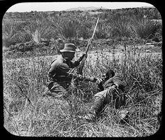 Australian and Turkish soldiers at Gallipoli, 1915