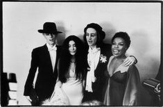 David Bowie, Yoko Ono, John Lennon, and Roberta Flack at the 1975 Grammy Awards Photo © Estate of Fred W. McDarrah