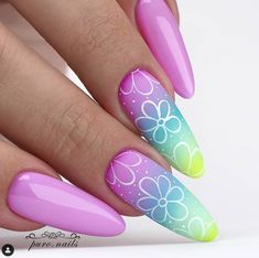 Candy Gomex: ⭐⭐⭐⭐⭐ With cute, stylish, and over-the-top fall nail designs Creative Nail Designs, Acrylic Nail Designs, Nail Art Designs, Acrylic Nails, Nails Design, Pastel Nails, Pink Nails, Gold Glitter Nails, Sparkle Nails