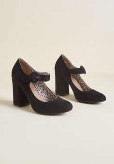 fcab5e4a193 Fame of Reference Block Heel in Black Restricted Shoes