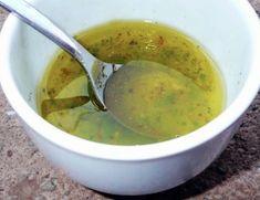 Lave muito bem o hortelã e seque. Use somente as folhas do hortelã. Coloque as folhas de hortelã dentro do liquidificador junto com todos os outros ingredientes. Bata bem e coloque em um vidro. Conserve na geladeira. Dicas: Use só um pouquinho de... Healthy Chicken Recipes, Diet Recipes, Vegan Recipes, No Gluten Diet, Junk Food, Korean Street Food, Lchf, Fall Recipes, Food Videos