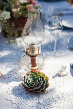 Fresh cut succulents are available year-round and add a special touch on tables, in bouquets, arrangements, boutonnieres, and corsages. Shop fresh cut succulents and popular wedding flowers at GrowersBox.com.