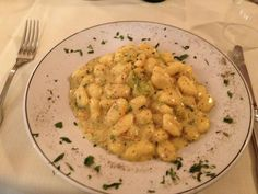 Gnocchetti ai fiori di zucca, crema di gorgonzola e tartufo. Le ricette dello Chef del ristorante Giglio Rosso di Firenze.