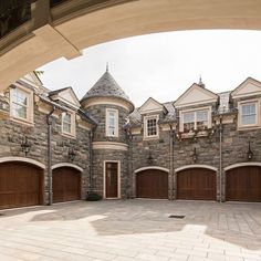 Alpine, NJ dream driveway #DreamHomes #design #F4F #furniture