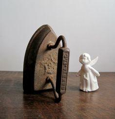 Antique Sad Iron Cast Iron Geneva Iron by RushCreekVintage on Etsy