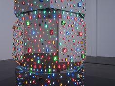 """Cambiantes números digitales  by Tatsuo Miyajima. """"Nada es permanente excepto el cambio""""."""