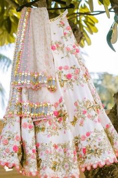 Latest Designer Lehenga Flopral Style And Designer Blouse -By Bridal lehengaShope - Source by HighAwareness - Designer Bridal Lehenga, Indian Bridal Lehenga, Indian Bridal Outfits, Indian Designer Outfits, Anarkali, Lehnga Dress, Party Wear Lehenga, Indian Gowns Dresses, Lehenga Designs