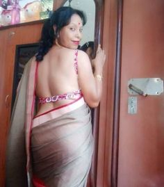 Beautiful Women Over 40, Beautiful Women Pictures, Beautiful Blonde Girl, Beautiful Girl Indian, Beauty Full Girl, Beauty Women, Saree Poses, Indian Girls Images, Indian Beauty Saree