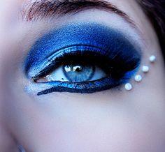 blue eyes. Makeup Tips, Beauty Makeup, Eye Makeup, Snow Queen Makeup, Eye Face Painting, Most Beautiful Eyes, Tips & Tricks, Hair Shows, Eye Art