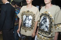 Backstage at Dolce and Gabbana Menswear Spring/Summer 2016 in Milan | Vogue Paris #DGSS16 #mfw #ss16 #dgmen #MFW #milan #dolceandgabbana photographer @Jason Lloyd-Evans