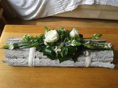 TRENDY: Zjawiskowe dekoracje z kwiatami na świąteczny stół