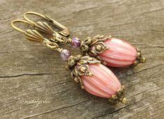 Ohrringe Vintage Ohrhänger Puderrosè von Perline`s Drachenperlen  auf DaWanda.com