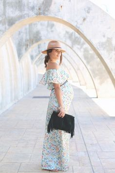 I don't know what to say to justify myself regarding long dresses… I just love them, as easy as that! I've always seen them as a nice basic and romantic alterna