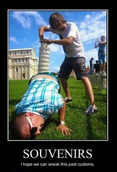 Haha, Leaning Tower of Pisa. Thinking out side the box! Funny Animal Pictures, Funny Photos, Silly Pictures, Image Hilarante, College Humor, How To Take Photos, Really Funny, Super Funny, How To Look Pretty