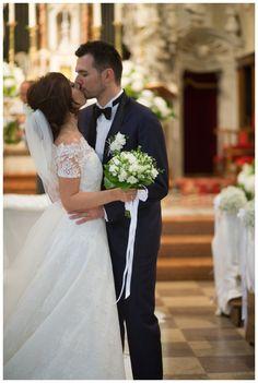 Wedding dress by raimon bundo