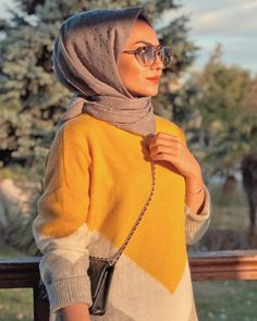 hijab fashion Bff Pictures, Beautiful Hijab, Hijab Outfit, Hijab Fashion, Mauve, Turtle Neck, Hijab Styles, Sweaters, Outfits