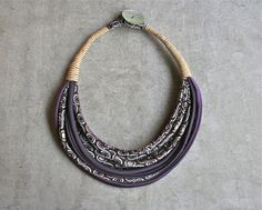 Colar de seda / upcycled / vintage / cor / handmade / gravatas Vintage / peça única