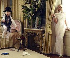 Não bastasse ser capa da Vogue UK de Maio, Gwyneth Paltrow emplacou também a capa da Harper's Bazaar US! Que luxo, hein, Gwyn? No site da revista tem a entrevista feita com ela para esta edição. Ela fala de casamento, maternidade, filhos, fama, trabalho, seu site… clique aqui para ler! Veja as fotos do interior …