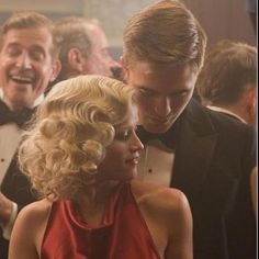 """Hair inspo, but do it less frizzy.this is Reese Witherspoon in movie """"Like Water For Elephants"""" Vintage Hairstyles, Messy Hairstyles, Wedding Hairstyles, Elegant Hairstyles, Reese Witherspoon, Robert Pattinson, 1930s Hair, Water For Elephants, The Great"""