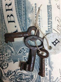 3 Vintage French Brocante Skeleton Keys Set H by OscarNaylor