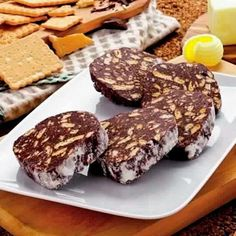 Eat all the food you want and lose weight!The best USA weight loss programs! Köstliche Desserts, Italian Desserts, Delicious Desserts, Dessert Recipes, Romanian Desserts, Romanian Food, Quick Easy Meals, Love Food, Sweet Tooth